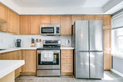 Kitchen/Dining - 4 - 734 Neighbourhood Circle, Mississauga - Elite3 & Team at 4 - 734 Neighbourhood Circle, Cooksville, Mississauga