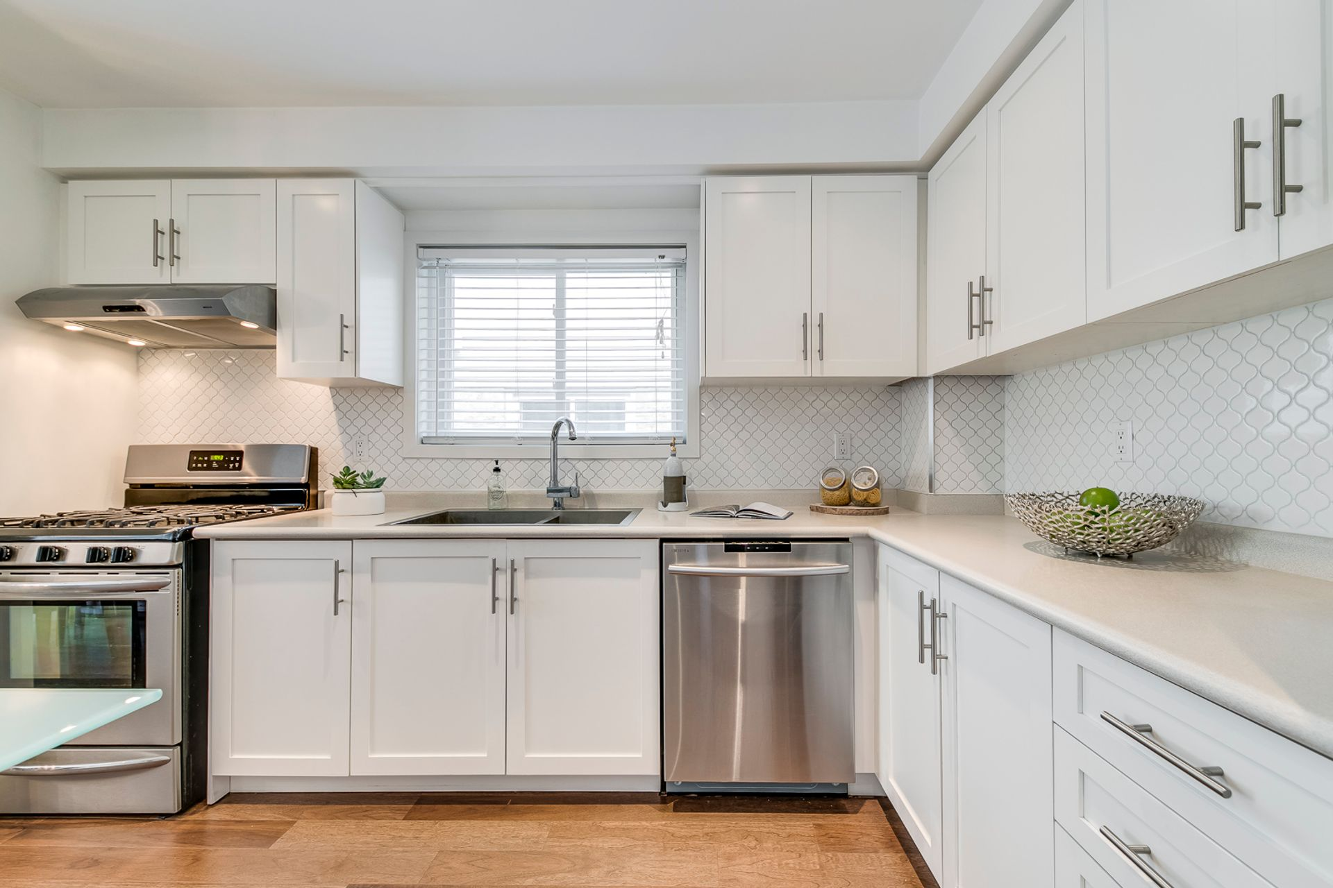 Living/Dining/Kitchen - 2447 Stefi Trail, Oakville - Elite3 & Team at 2447 Stefi Trail, River Oaks, Oakville