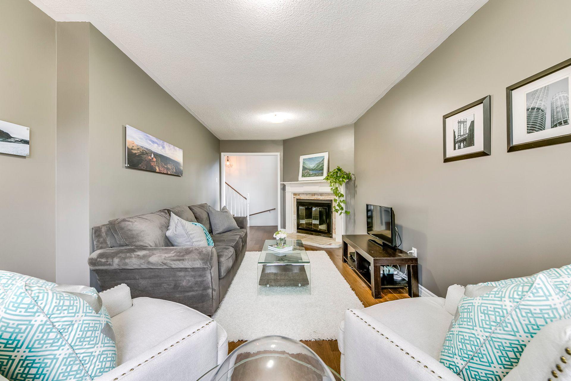 Family Room - 2447 Stefi Trail, Oakville - Elite3 & Team at 2447 Stefi Trail, River Oaks, Oakville