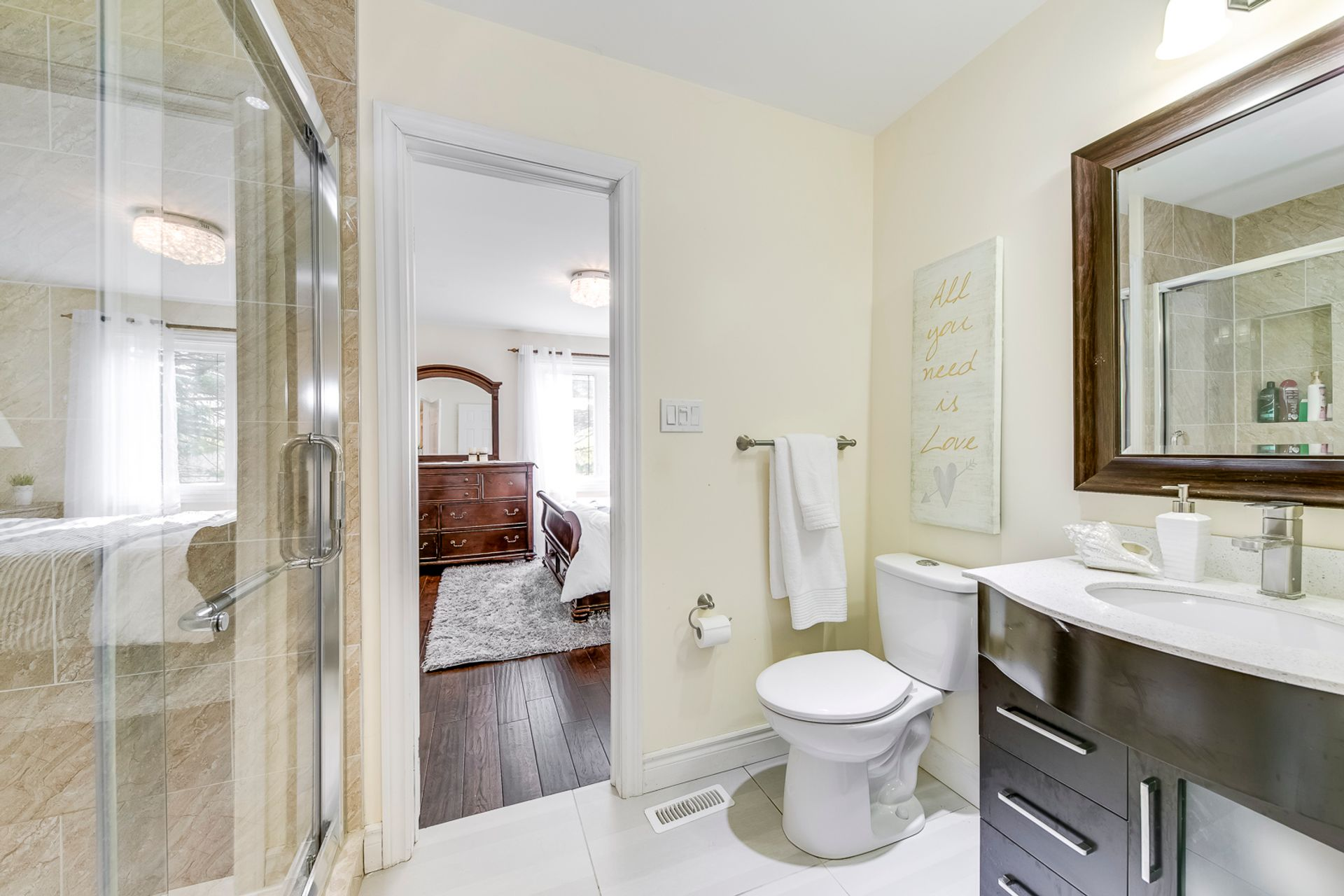 Jack & Jill Bathroom - 2421 Jarvis St, Mississauga - Elite3 & Team at 2421 Jarvis Street, Airport Corporate, Mississauga