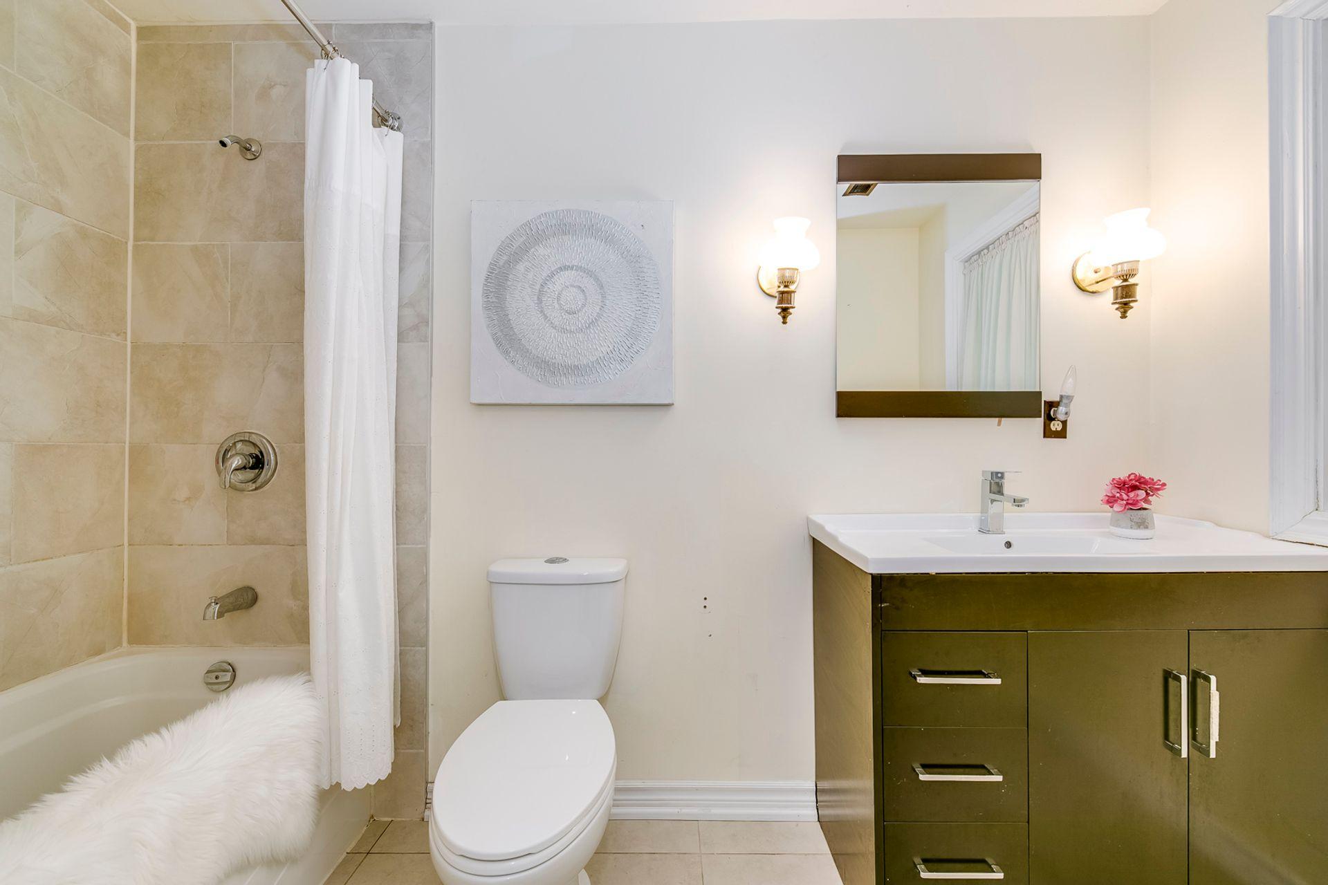 Basement Bathroom - 2421 Jarvis St, Mississauga - Elite3 & Team at 2421 Jarvis Street, Airport Corporate, Mississauga