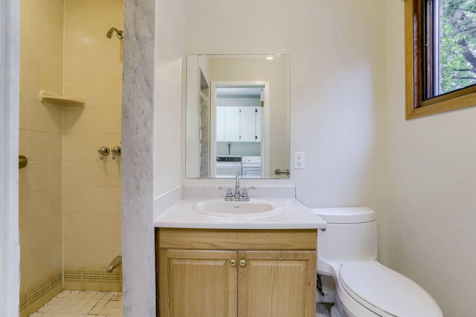 Bathroom - 169 Wedgewood Dr, Oakville - Elite3 & Team at 169 Wedgewood Drive, Eastlake, Oakville
