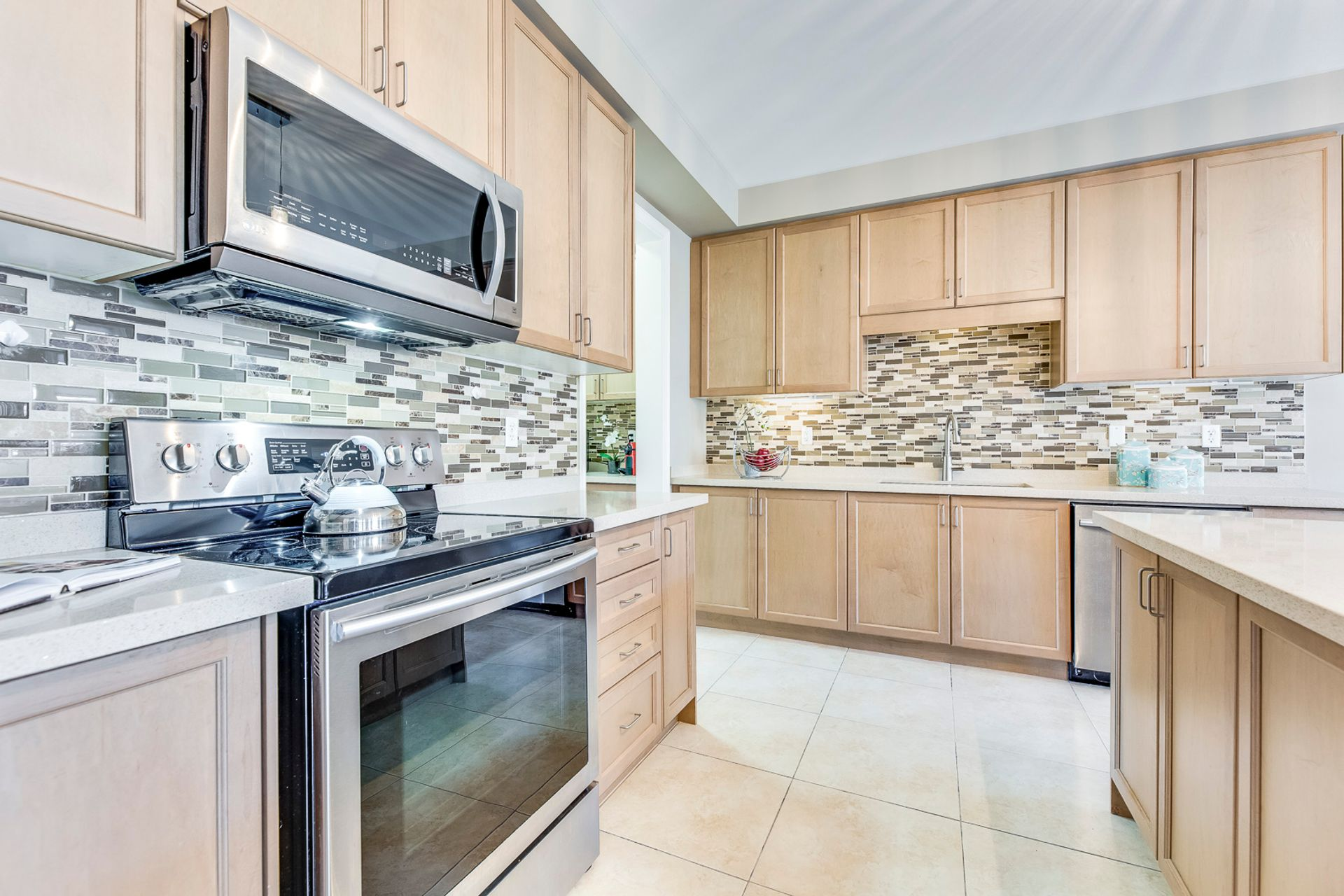 mls-28 at 5480 Meadowcrest Avenue, Churchill Meadows, Mississauga