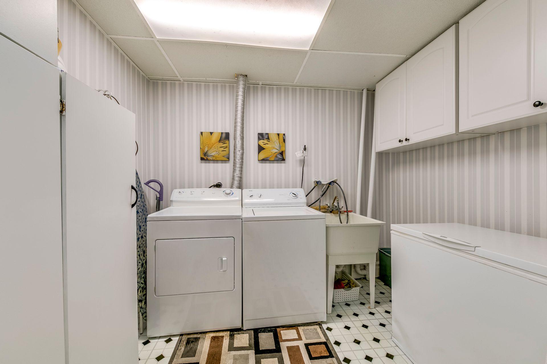 Basement Laundry Room - 1246 Landfair Cres, Oakville - Elite3 & Team at 1246 Landfair Crescent, Iroquois Ridge South, Oakville
