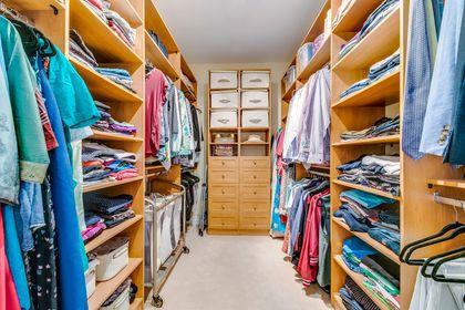 His/Her Closets- 2412 Sylvia Dr. Oakville- Elite3 & Team at 2412 Sylvia Drive, Iroquois Ridge North, Oakville