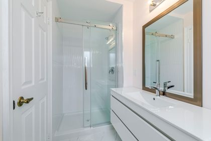 2nd Bathroom- 1592 Stationmaster Lane- Elite3 & Team at 1592 Stationmaster Lane, Glen Abbey, Oakville