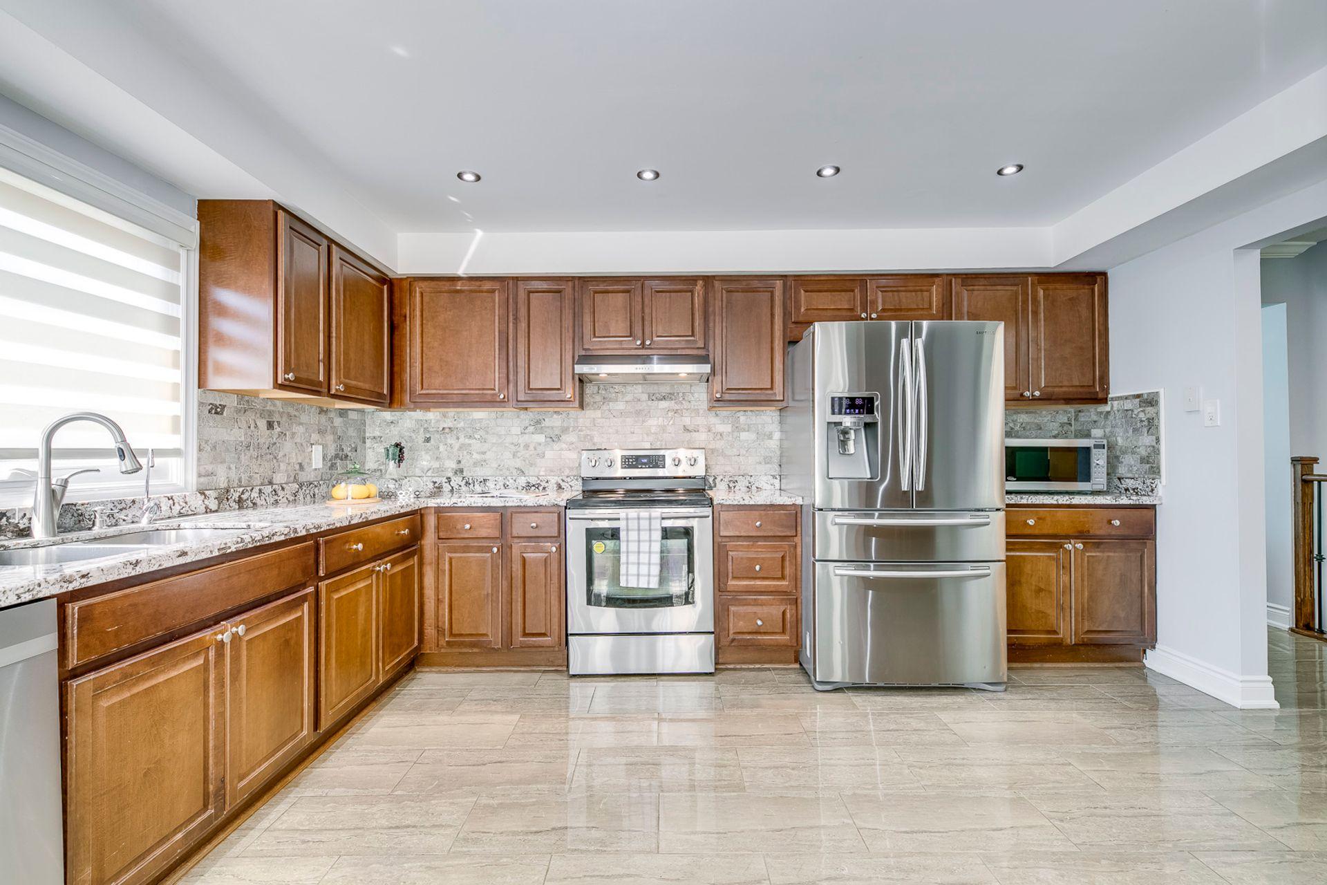 Kitchen- 549 Golden Oak Drive Oakville- Elite3 & Team at 549 Golden Oak Drive, Iroquois Ridge North, Oakville