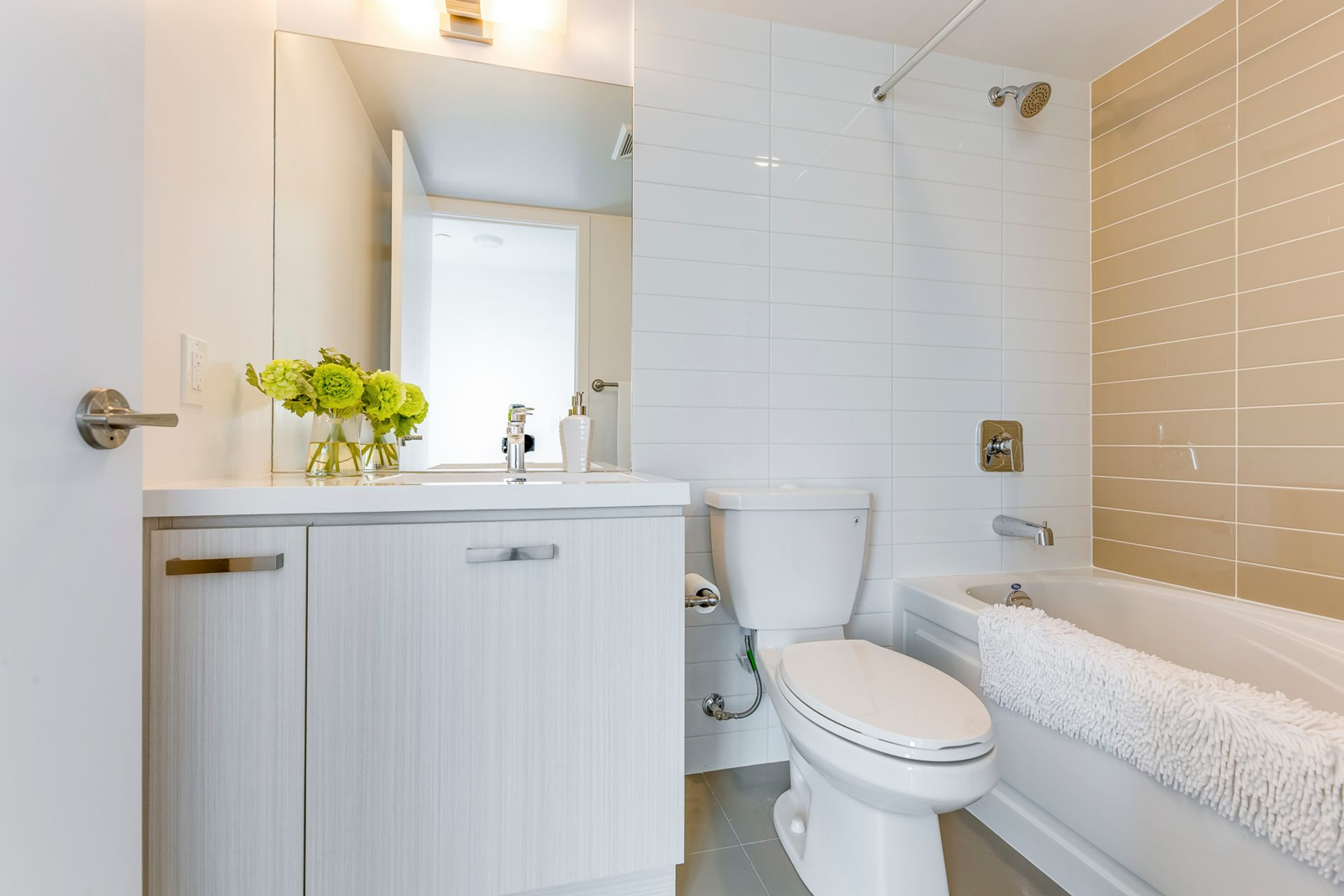 Primary Bathroom- #3108-125 Redpath Ave. Toronto- Elite3 & Team at 3108 - 125 Redpath Avenue, Mount Pleasant East, Toronto