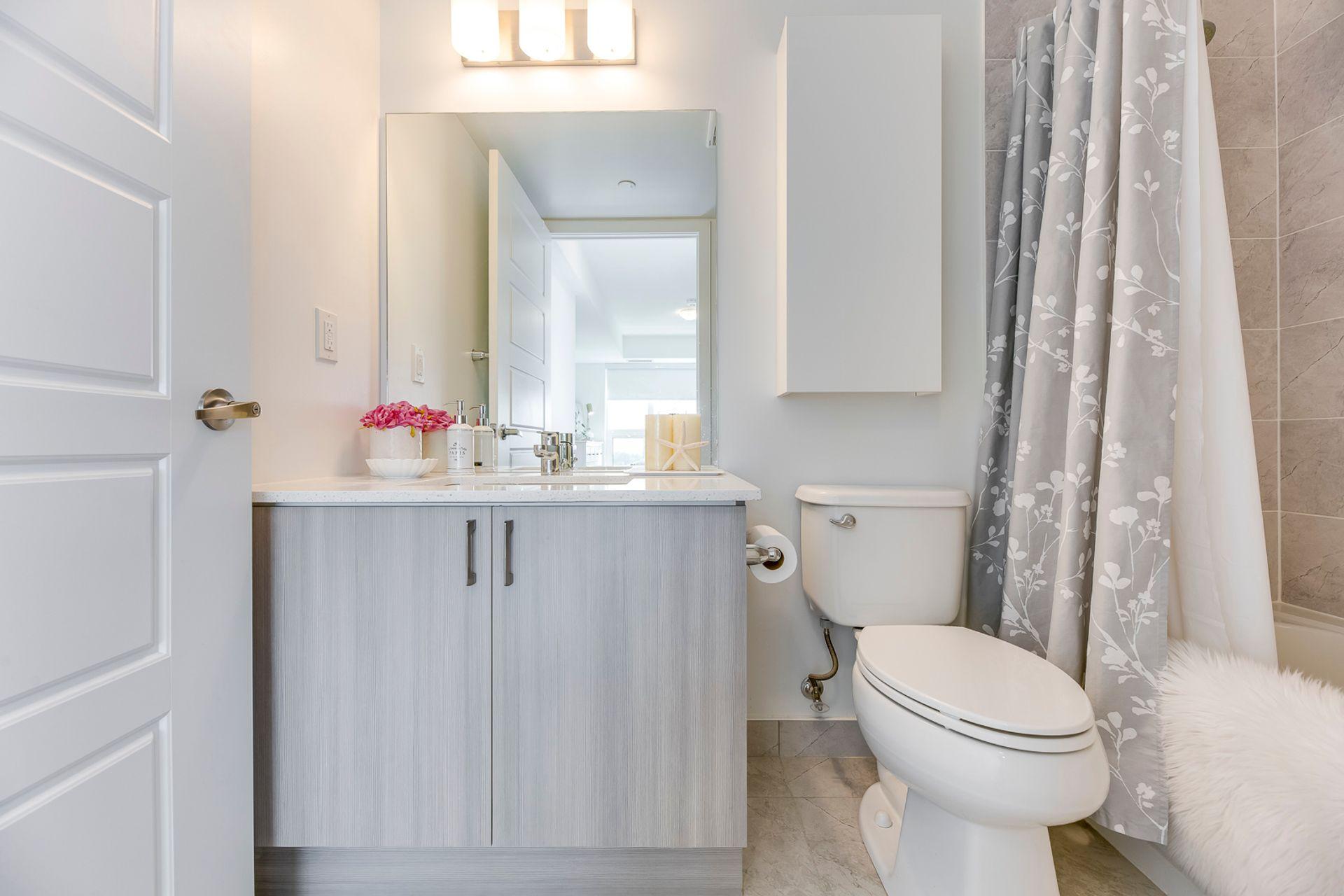 Master Bathroom- #1007- 1255 Bayly St. Pickering- Elite3 & Team at 1007 - 1255 Bayly Street, Bay Ridges, Pickering