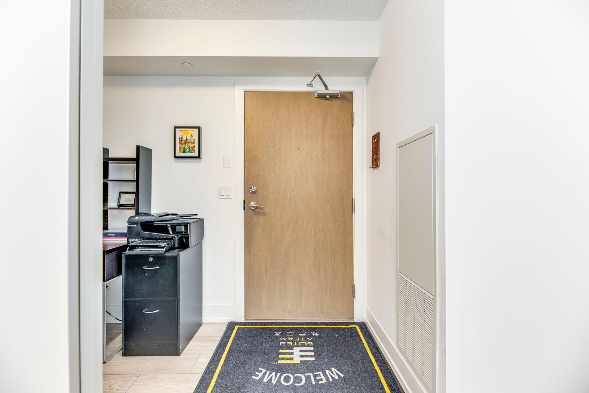 Foyer- #1007- 1255 Bayly St. Pickering- Elite3 & Team at 1007 - 1255 Bayly Street, Bay Ridges, Pickering