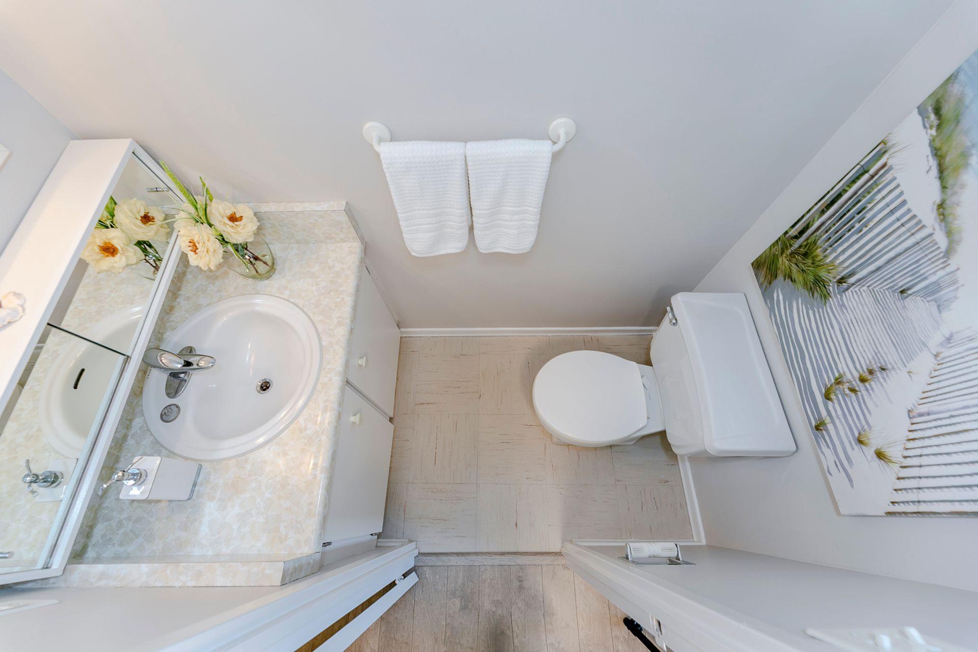 Bathroom- #812- 18 Knightsbridge Rd. Brampton- Elite3 & Team at 812 - 18 Knightsbridge Road, Queen Street Corridor, Brampton