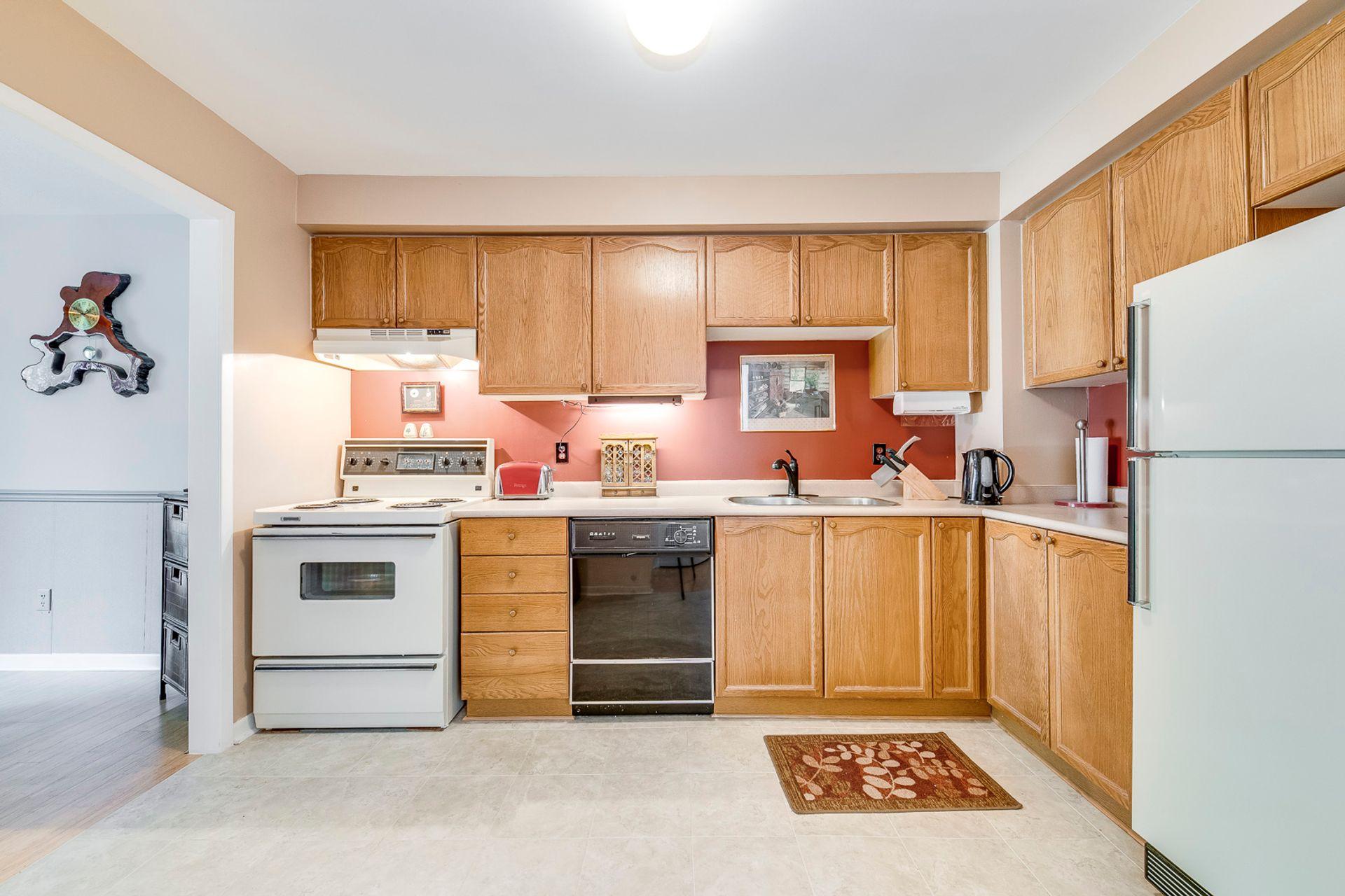 Kitchen - 2416 Stefi Tr, Oakville - Elite3 & Team at 2416 Stefi Trail, River Oaks, Oakville