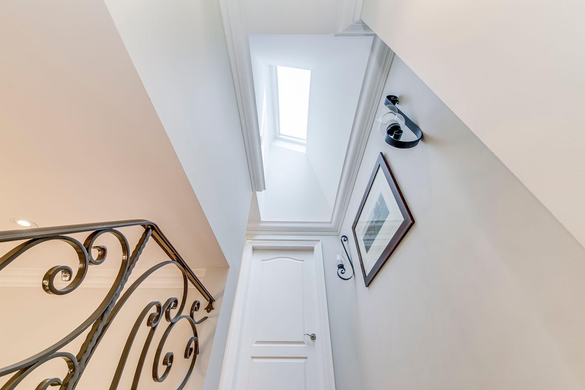 Staircase- 1531 Narva Rd. Mississauga- Elite3 & Team at 1531 Narva Road, Lorne Park, Mississauga