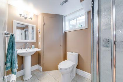 Basement Bathroom- 2185 Highriver Crt. Mississauga- Elite3 & Team at 2185 Highriver Court, Sheridan, Mississauga