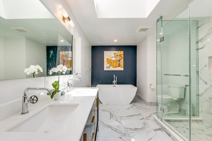 Primary Spa-Like Ensuite - 12 Equestrian Court, North York - Elite3 & Team at 12 Equestrian Court, Bayview Woods-Steeles, Toronto