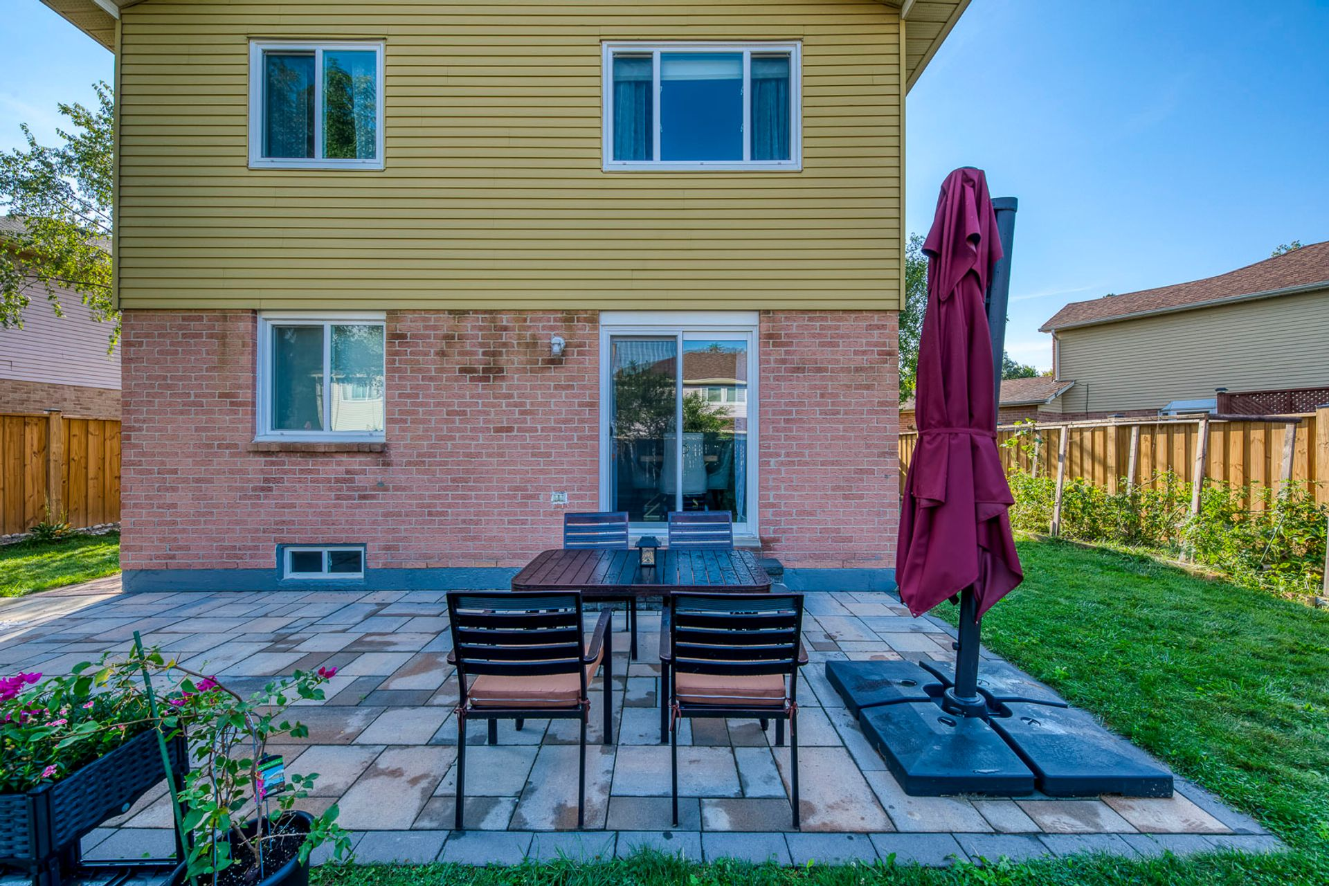 Backyard - 6278 Lavery Crt, Mississauga - Elite3 & Team at 6278 Lavery Court, Meadowvale, Mississauga