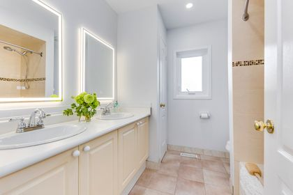 Main Bathroom - 200 Lexington Rd, Oakville - Elite3 & Team at 200 Lexington Road, River Oaks, Oakville