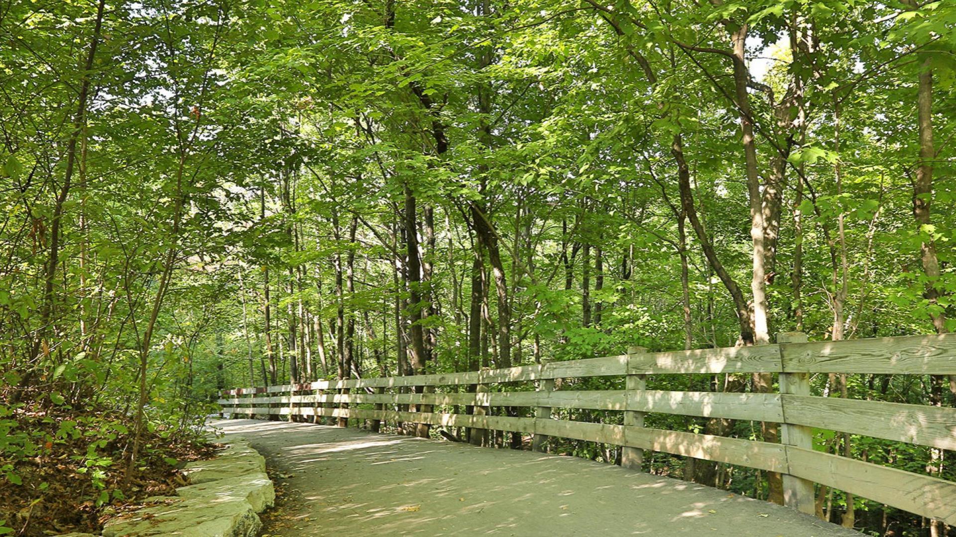West Oak Trail