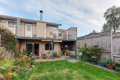 124 at 23 - 11464 Fisher Street, East Central, Maple Ridge