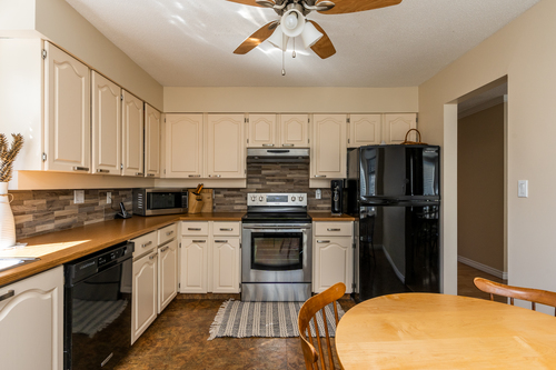10 at 304 - 777 Eighth Street, Uptown NW, New Westminster