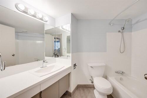 10045-117-street-oliver-edmonton-10 at 1302 - 10045 117 Street, Oliver, Edmonton