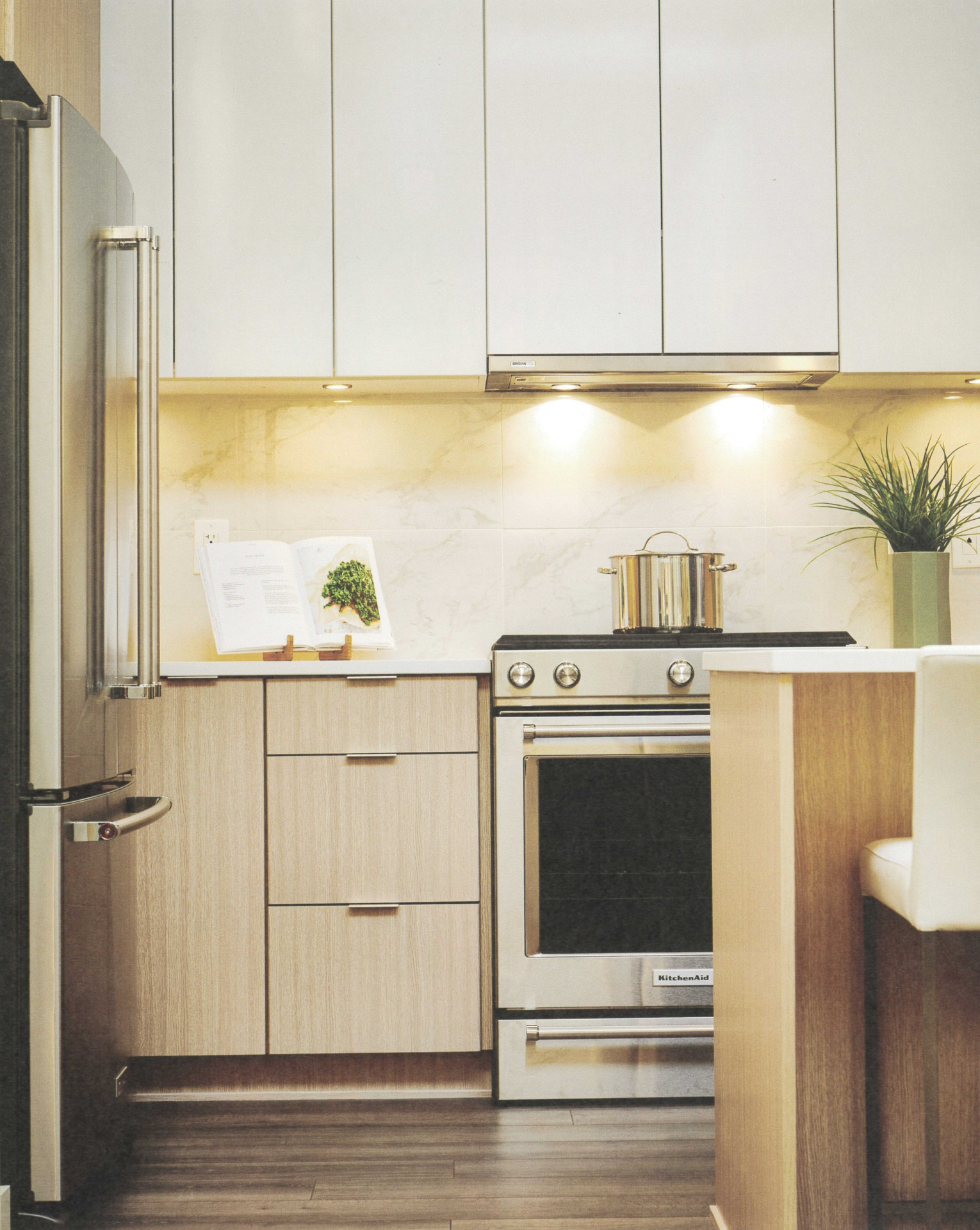 kitchen at 504 - 1012 Auckland Street, Uptown NW, New Westminster
