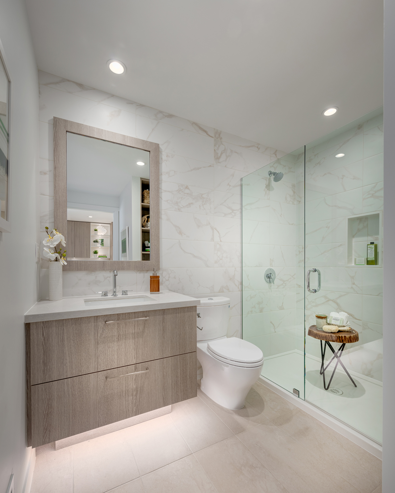 bathroom-2-light-scheme at 407 - 707 E 3rd Street, Queensbury, North Vancouver