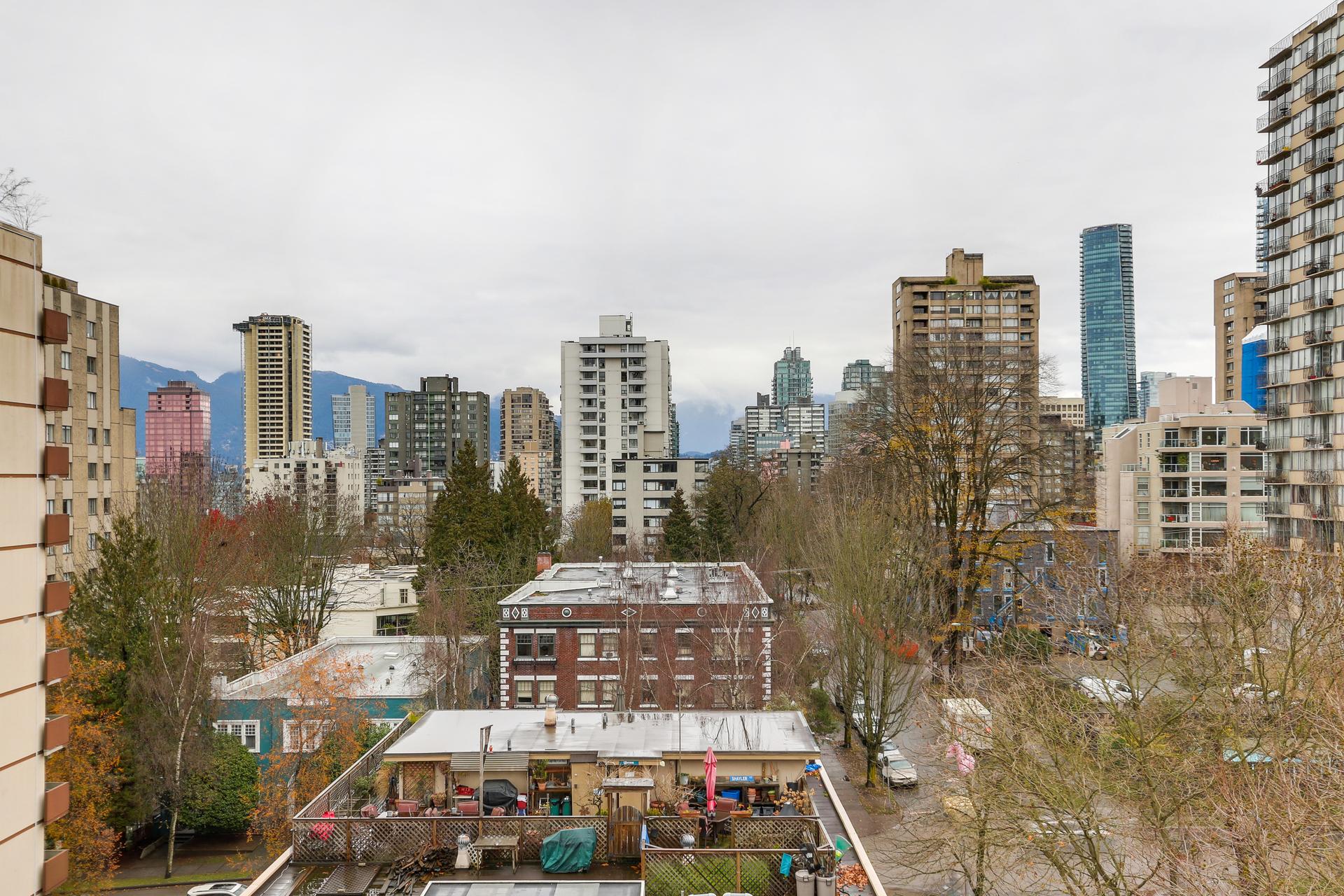 19 at 701 - 1171 Jervis Street, West End VW, Vancouver West