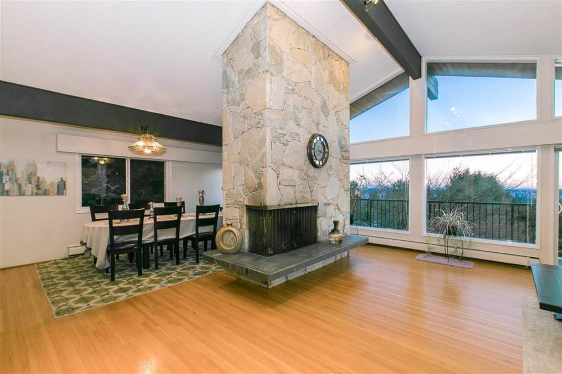 262178191-6 at 1257 Chartwell Place, Chartwell, West Vancouver