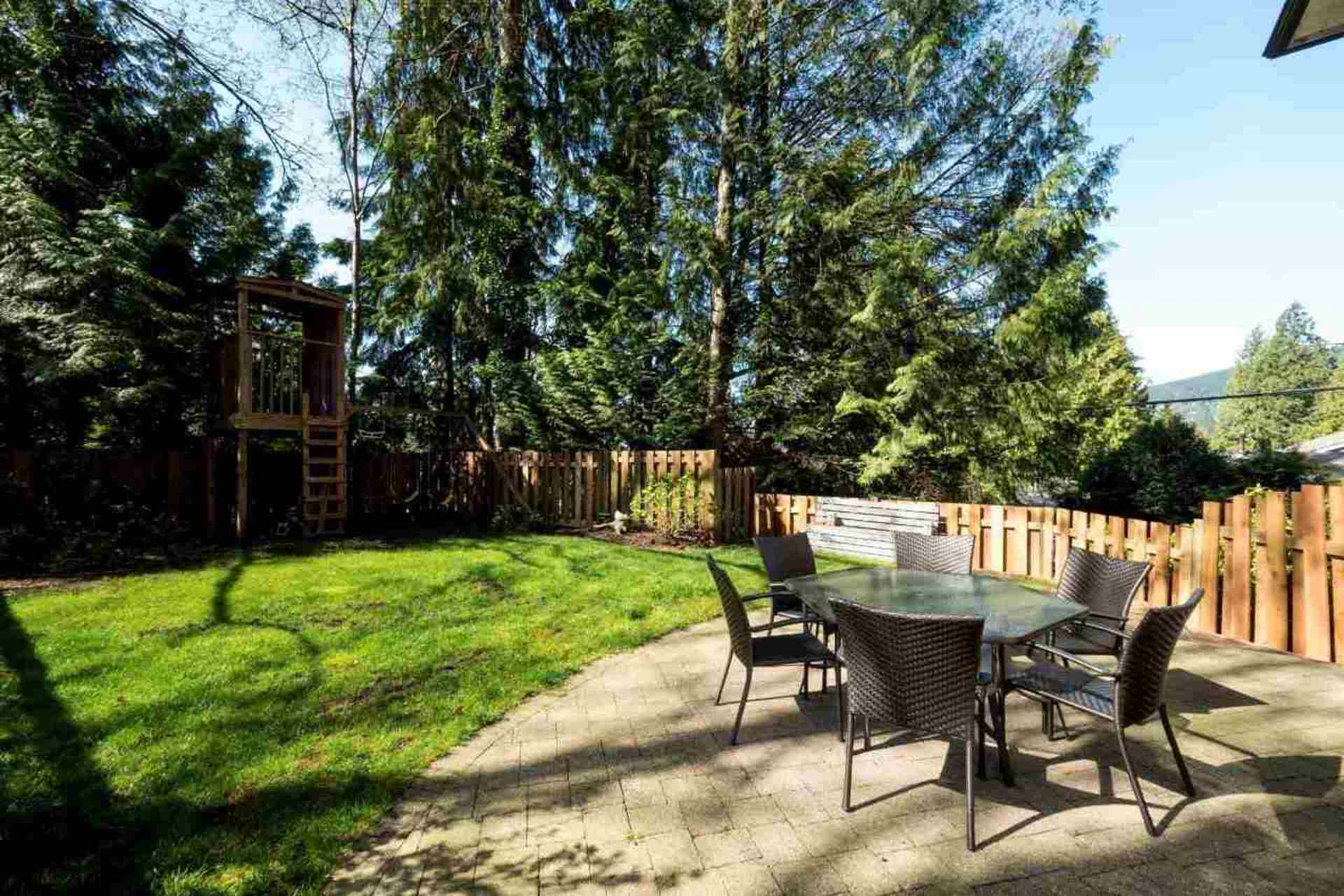 8 at 4990 Cedarcrest Avenue, Canyon Heights NV, North Vancouver