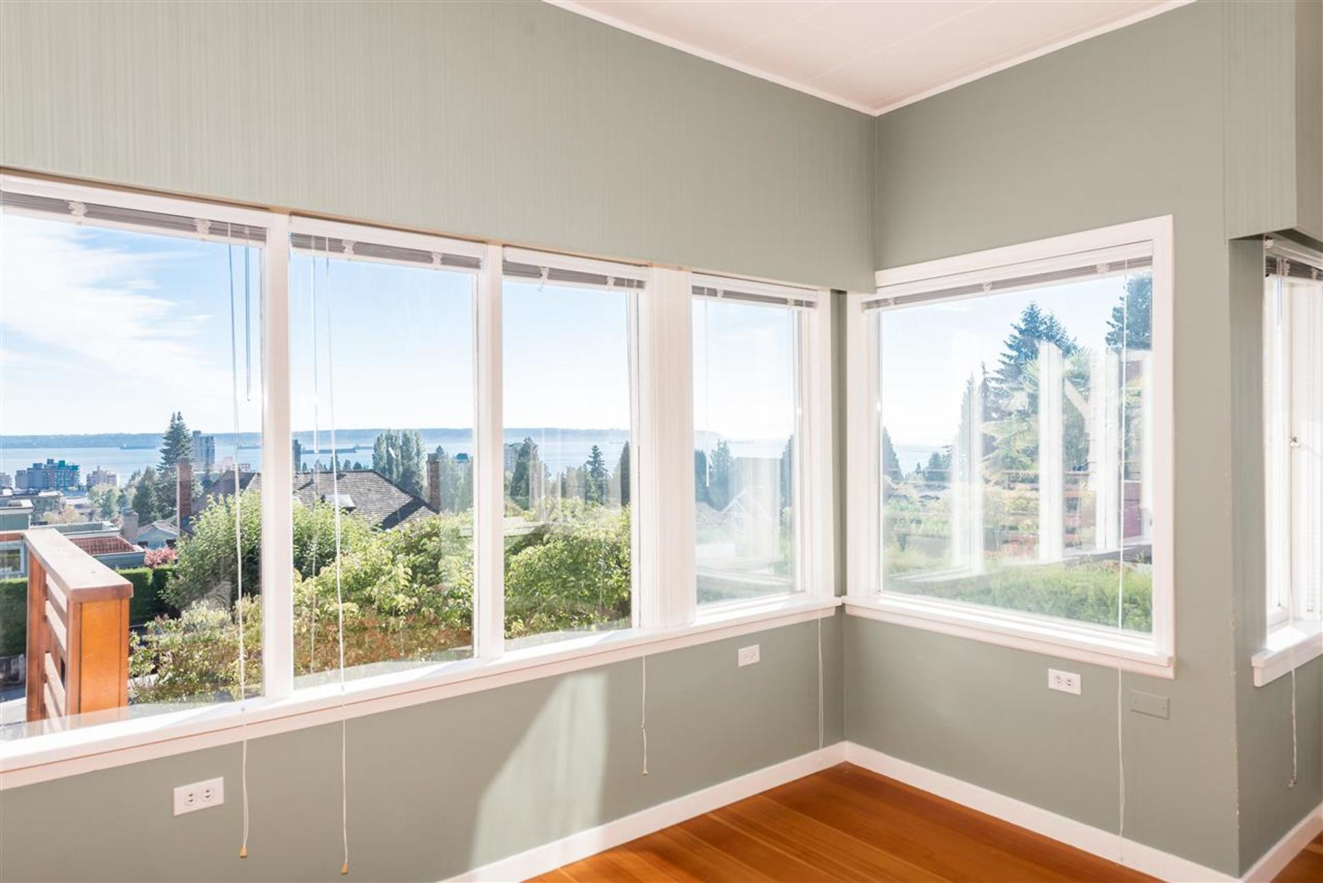 262413443-9 at 2160 - Mathers Avenue , Dundarave, West Vancouver