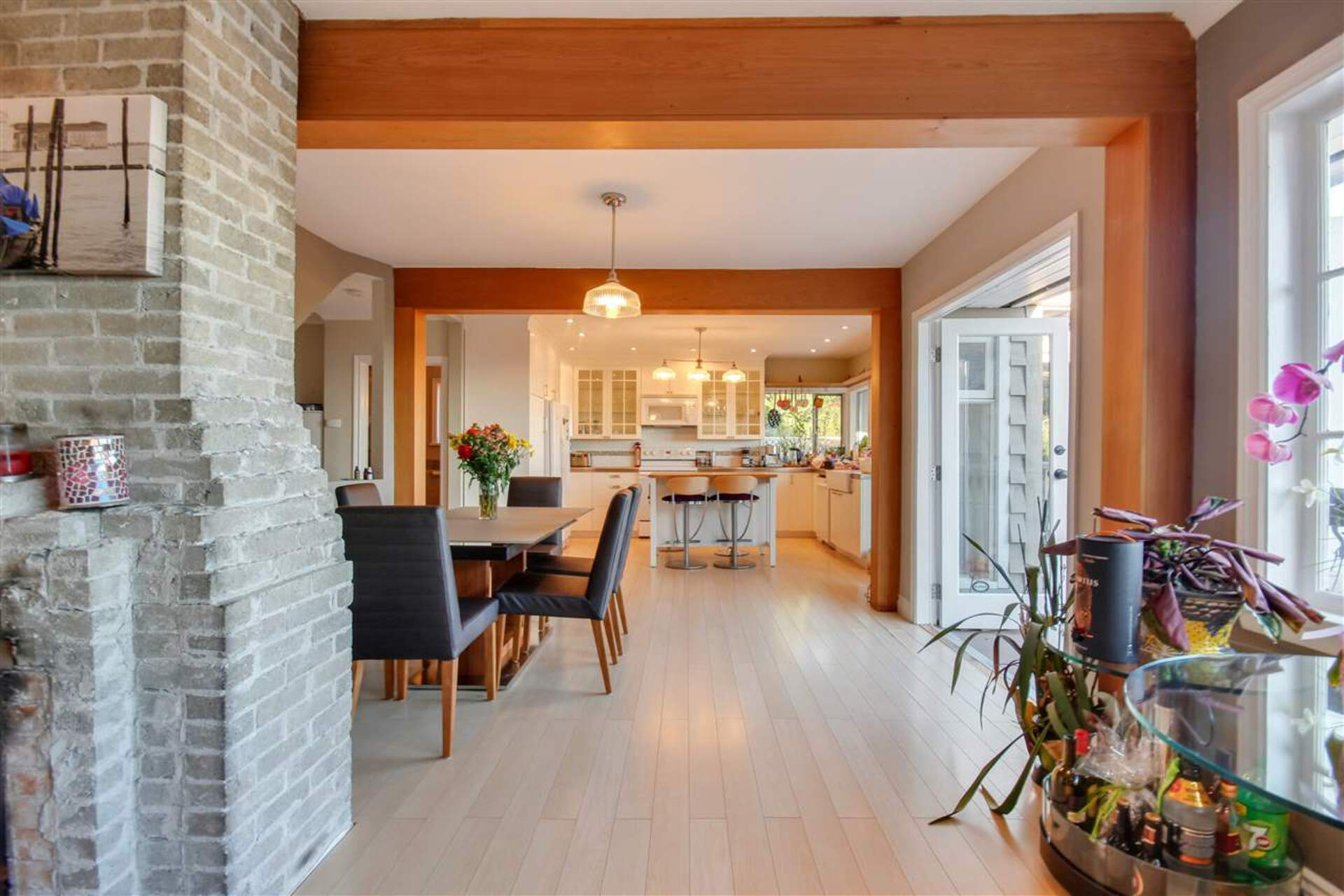 7 at 2460 Ottawa Avenue, Dundarave, West Vancouver