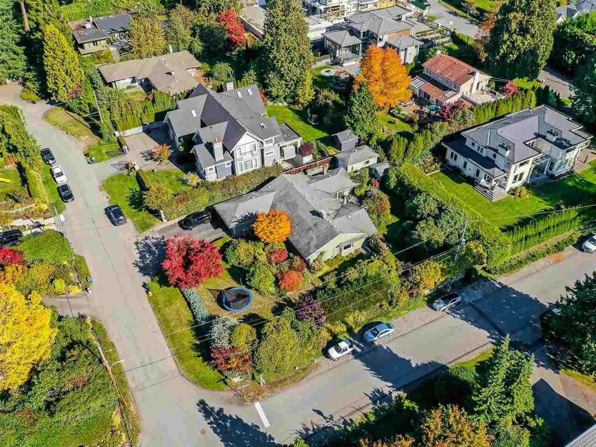 1650-19th-street-ambleside-west-vancouver-03 at 1650 19th Street, Ambleside, West Vancouver