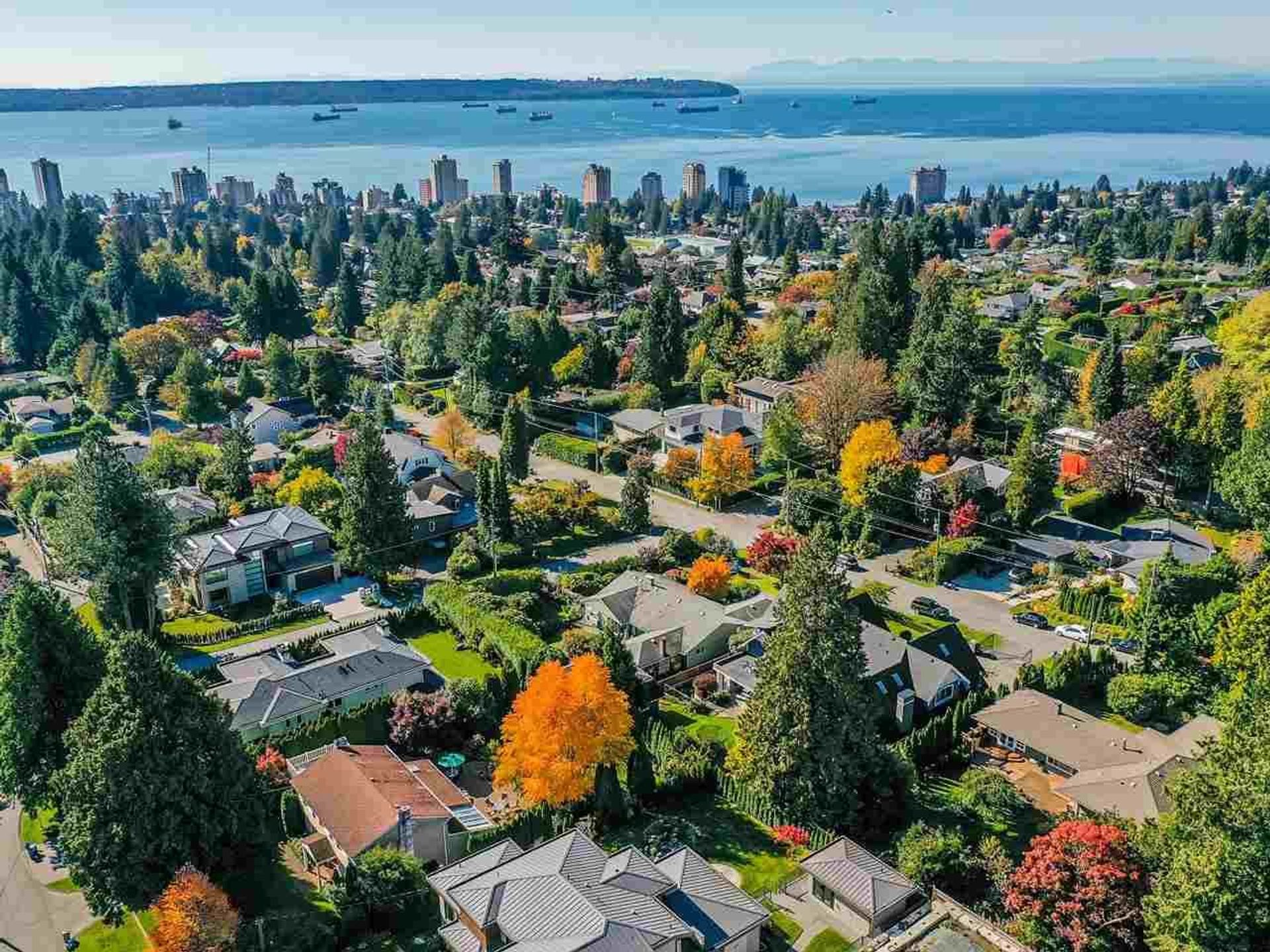 1650-19th-street-ambleside-west-vancouver-04 at 1650 19th Street, Ambleside, West Vancouver