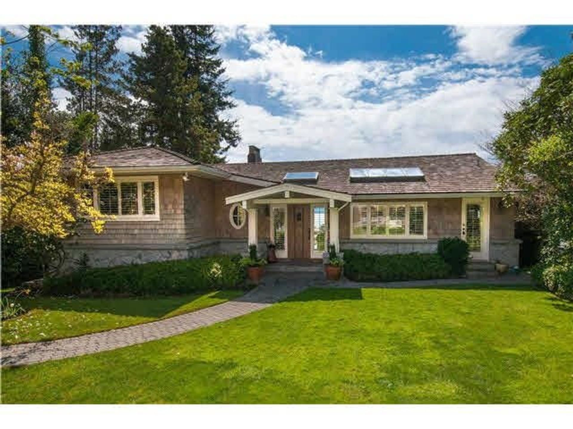 3354 Mathers Avenue, Westmount WV, West Vancouver