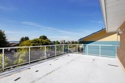 5 at 1276 Haywood Avenue, Ambleside, West Vancouver