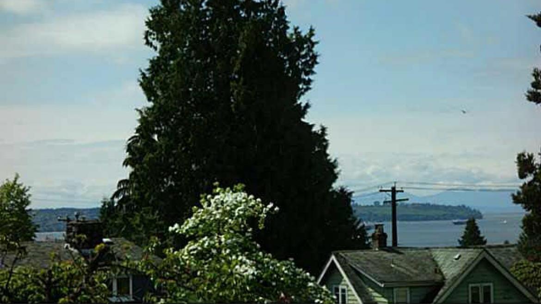 1074 Jefferson Avenue, Sentinel Hill, West Vancouver