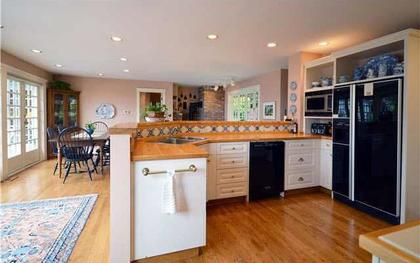 1677-29th4 at 1677 29th Street, Altamont, West Vancouver