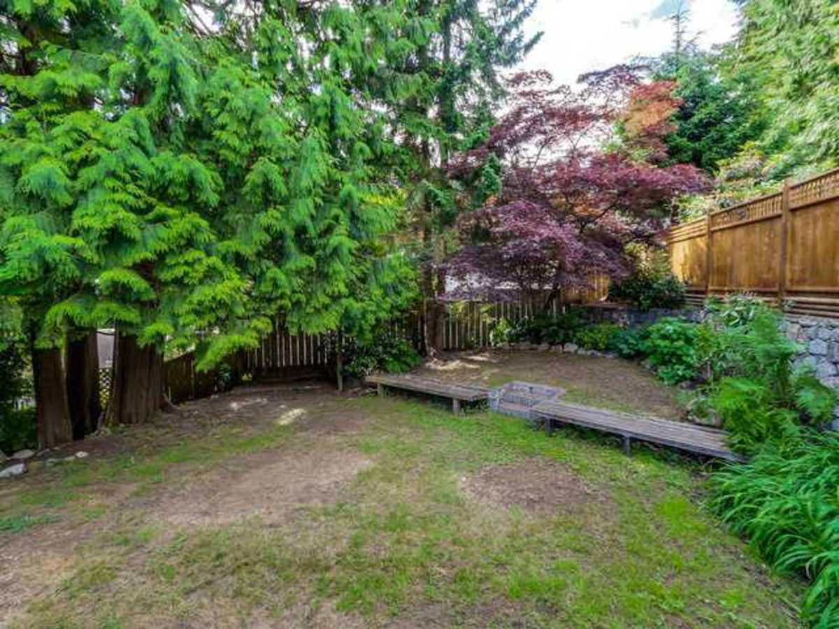 image-261800385-18.jpg at 3719 Roblin Place, Princess Park, North Vancouver