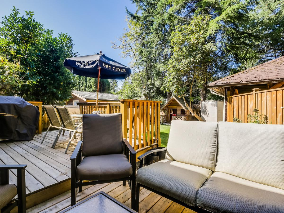 11 at 2433 Philip Avenue, Pemberton Heights, North Vancouver