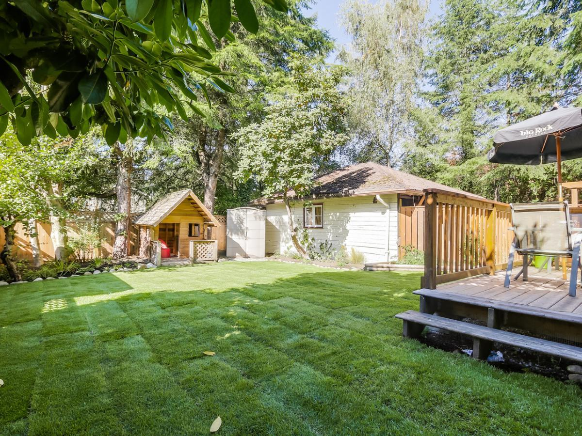 12 at 2433 Philip Avenue, Pemberton Heights, North Vancouver