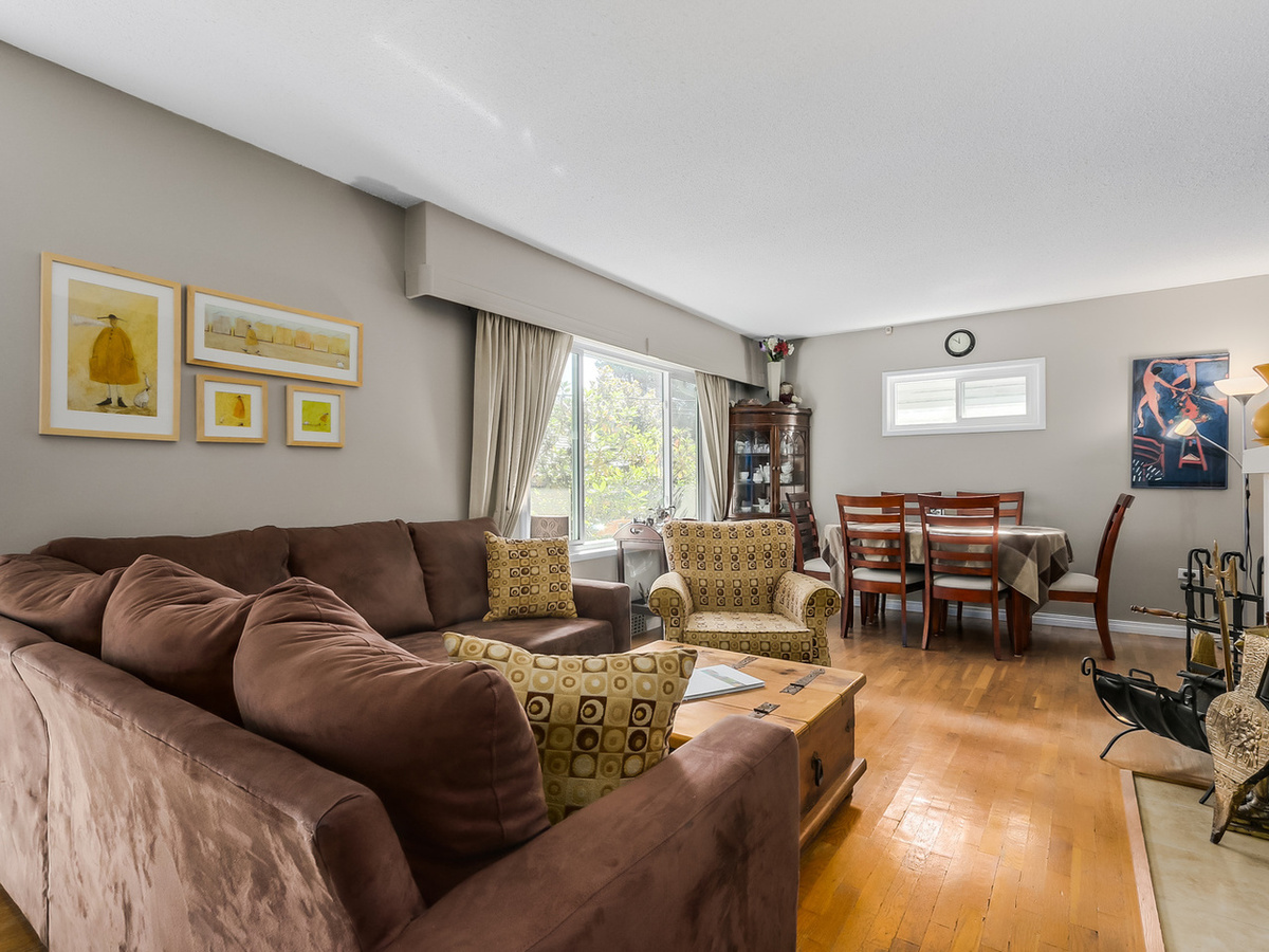 2 at 2433 Philip Avenue, Pemberton Heights, North Vancouver