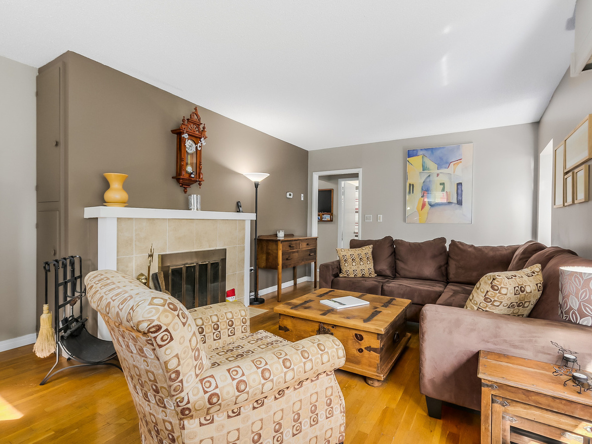 4 at 2433 Philip Avenue, Pemberton Heights, North Vancouver