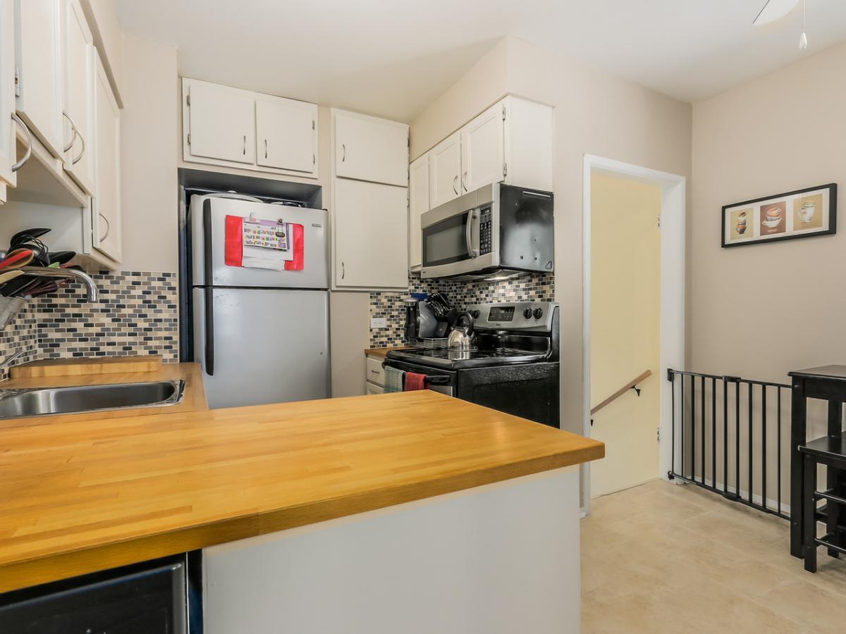 7 at 2433 Philip Avenue, Pemberton Heights, North Vancouver