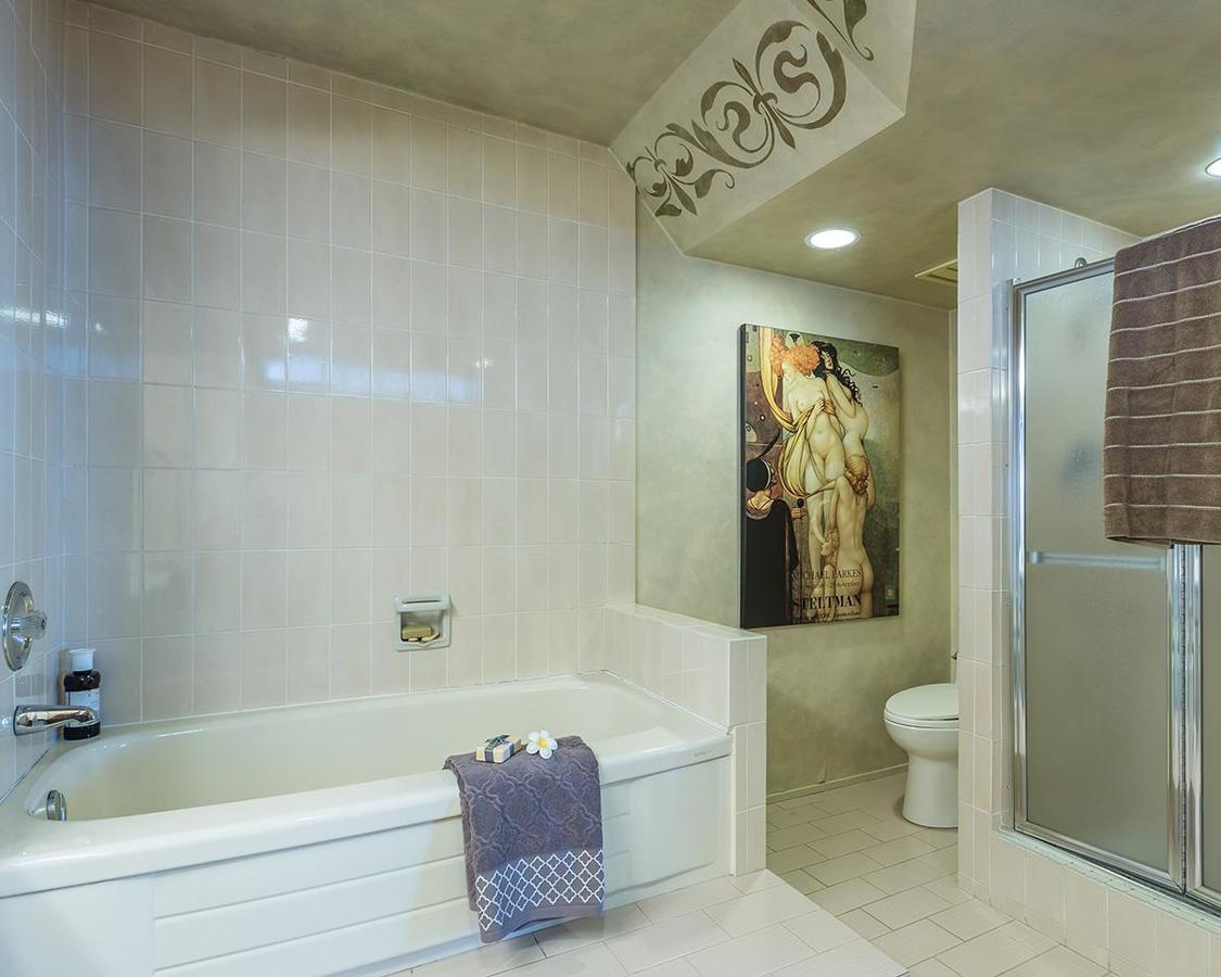 Master Bathroom at 1002 - 1236 Bidwell Street, West End VW, Vancouver West