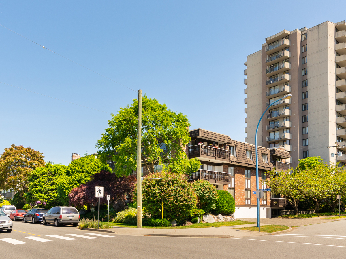 204-1610-chesterfield-36470 at 203 - 1610 Chesterfield Avenue, Central Lonsdale, North Vancouver