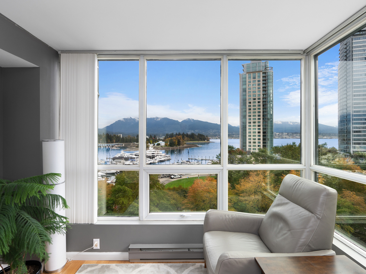 702-555-jervis-st-1-2 at 702 - 555 Jervis Street, Coal Harbour, Vancouver West