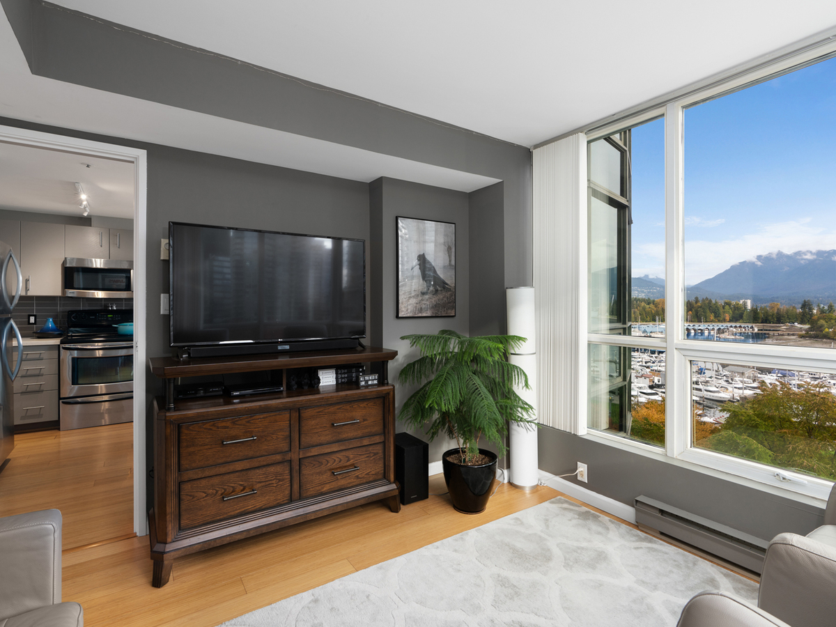 702-555-jervis-st-1-3 at 702 - 555 Jervis Street, Coal Harbour, Vancouver West