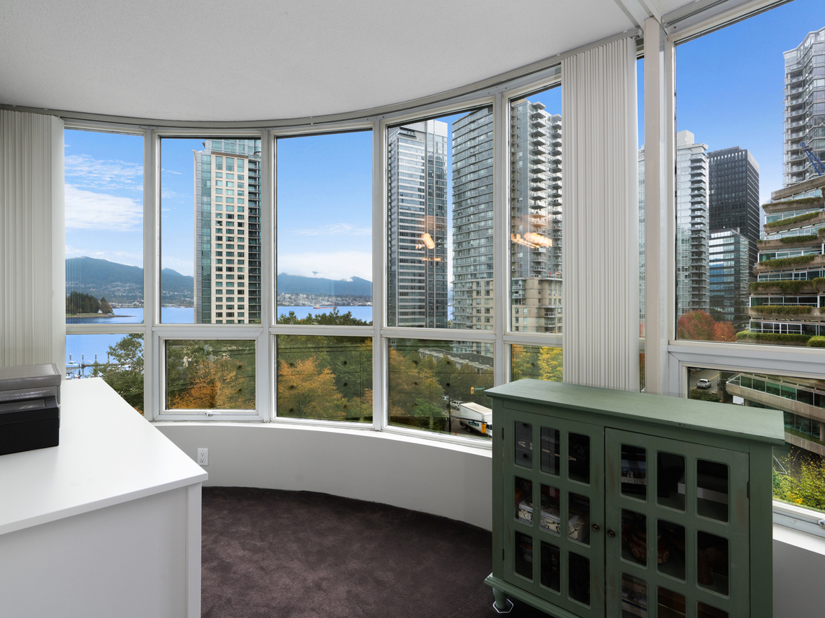 702-555-jervis-st-1-6 at 702 - 555 Jervis Street, Coal Harbour, Vancouver West