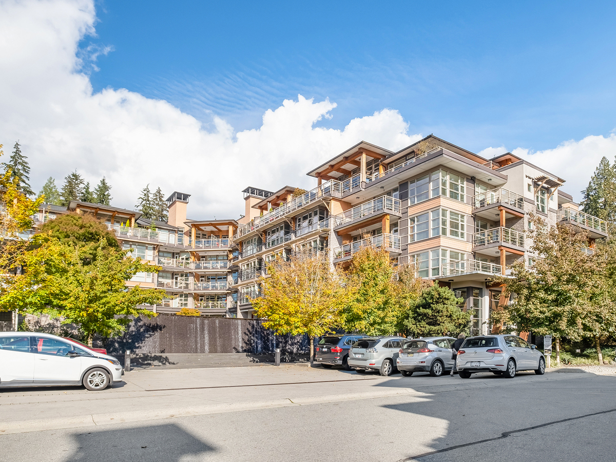 01 at 302 - 3606 Aldercrest Drive, Roche Point, North Vancouver